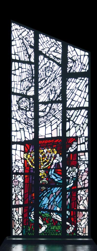 Kirche St. Gabriel Fenster rot